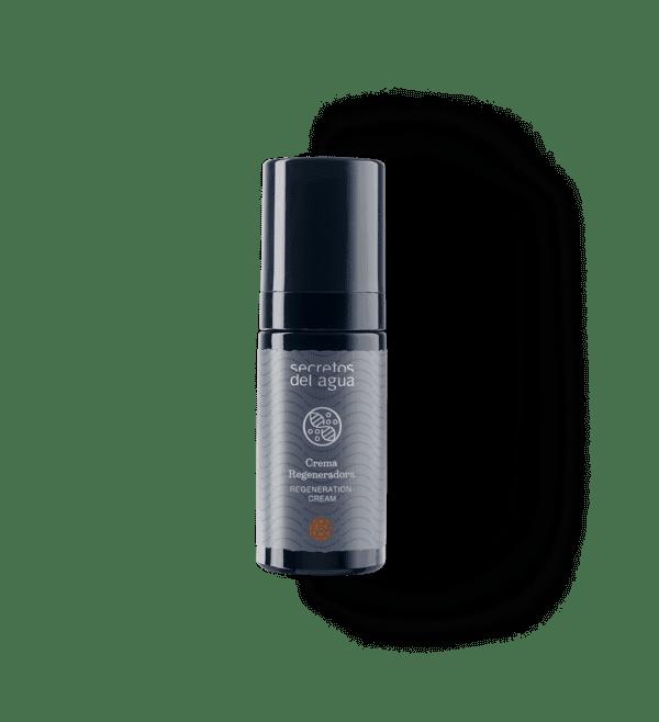 Crema regeneradora de Secretos del Agua. Una crema rejuvenecedora que rellena la piel y las arrugas.